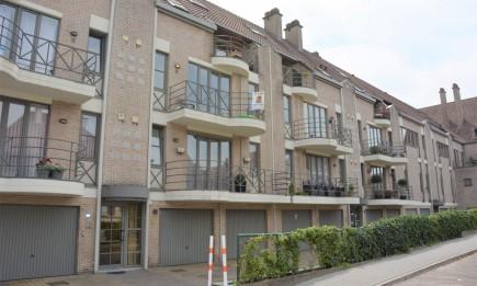 Appartement met garage. Gelegen in het centrum van Bilzen.