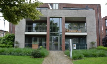 Recent, gelijkvloers appartement nabij het centrum van Maasmechelen.