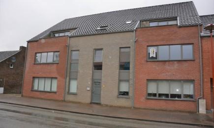 Appartement met 2 slaapkamers en terras.