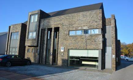 Duplex-appartement (183 m²) met 3 slaapkamers en ruim terras (60 m²).