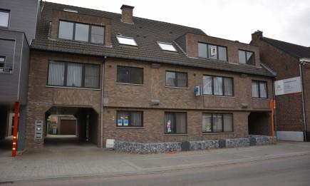 Appartement met 2 slaapkamers, gelegen in het centrum van Dilsen.