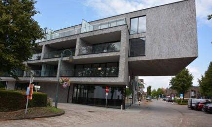 Nieuwbouwappartement (1.1) met 2 slaapkamers en terras. Parking in parkeergarage.