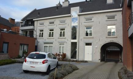 Appartement (nr. 6) gelegen op de 1ste verdieping met ruim terras. Uitstekende ligging vlak aan de markt.